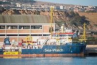 """Im Hafen der Sizilianischen Kleinstadt Porto Empedocle wurden die Rettungsschiffe """"Sea-Watch 3"""" (im Bild) und Ocean Viking"""" der privaten Seenotrettungsorganisationen Sea-Watch und SOS Mediterranee, von der italienische Küstenwache im Juli 2020 festgesetzt. Zuvor hatten die Organisationen mit den beiden Schiffen mehrere hundert Menschen vor der libyschen Kueste aus Seenot gerettet. Die italienischen Behoerden versuchen mit der offiziellen Begruendung, """"Sicherheitsmaengel"""", weitere Rettungseinsaetze zu blockieren.<br /> 25.7.2020, Porto Empedocle<br /> Copyright: Christian-Ditsch.de<br /> NUR FUER REDAKTIONELLE ZWECKE! Werbung nur auf Anfrage beim Fotografen. [Inhaltsveraendernde Manipulation des Fotos nur nach ausdruecklicher Genehmigung des Fotografen. Vereinbarungen ueber Abtretung von Persoenlichkeitsrechten/Model Release der abgebildeten Person/Personen liegen nicht vor. NO MODEL RELEASE! Don't publish without copyright Christian-Ditsch.de, Veroeffentlichung nur mit Fotografennennung, sowie gegen Honorar, MwSt. und Beleg. Konto: I N G - D i B a, IBAN DE58500105175400192269, BIC INGDDEFFXXX, Kontakt: post@christian-ditsch.de<br /> Bei der Bearbeitung der Dateiinformationen darf die Urheberkennzeichnung in den EXIF- und  IPTC-Daten nicht entfernt werden, diese sind in digitalen Medien nach §95c UrhG rechtlich geschuetzt. Der Urhebervermerk wird gemaess §13 UrhG verlangt.]"""