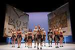 YVAN VAFFAN<br /> <br /> Chorégraphie : Jean-Claude Gallotta<br /> Restitution de la pièce et assistante à la chorégraphie : Mathilde Altaraz<br /> Musique : Strigall<br /> Dramaturgie : Claude-Henri Buffard<br /> Costumes : Marion Mercier et Jacques Schiotto d'après Jean-Yves Langlais<br /> Assistante costumes : Anne Jonathan<br /> Scénographie : Manuel Bernard et Jeanne Dard d'après Jean-Yves Langlais<br /> Lumières : Manuel Bernard<br /> Avec : Ximena Figueroa, Ibrahim Guétissi, Mathieu Heyraud, Georgia Ives, Bruno Maréchal, Cécile Renard, Gaetano Vaccaro, Thierry Verger, Stéphane Vitrano, Béatrice Warrand<br /> Compagnie : Le Centre chorégraphique national de Grenoble<br /> Lieu : Théâtre National de Chaillot<br /> Ville : Paris<br /> Date : 17/11/2013