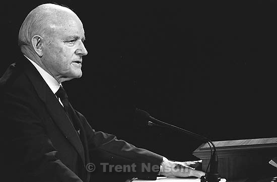 Howard W. Hunter at LDS General Conference.<br />