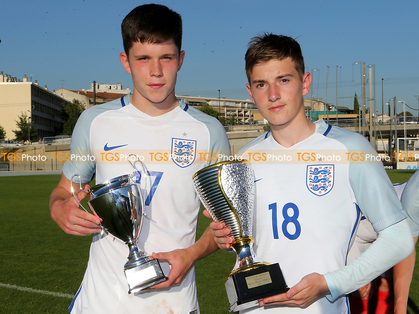 A celebration photo for the city of Sheffield. George Hirst of Sheffield Wednesday wins the Joint Top Scorer of the Tournament Award and David Brooks of Sheffield United wins Best Player of the Tournament Award during England Under-18 vs Ivory Coast Under-20, Toulon Tournament Final Football at Stade de Lattre-de-Tassigny on 10th June 2017