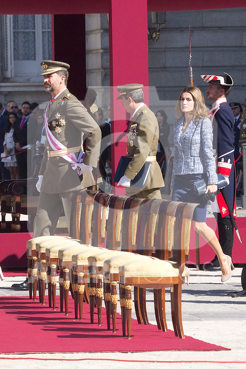 01.10.2012. The Spanish Royal Family, King Juan Carlos, Queen Sofia, Prince Felipe, Princess Letizia and Princess Elena attend the imposition of collective Distinguished Cross San Fernando Al Banner Armored Cavalry Regiment ´Alcántara´ No. 10 in the Royal Palace in Madrid, Spain. In the image Prince Felipe and Princess Letizia (Alterphotos/Marta Gonzalez)