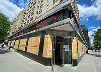 CVS To Close At Least 60 Stores Nationwide