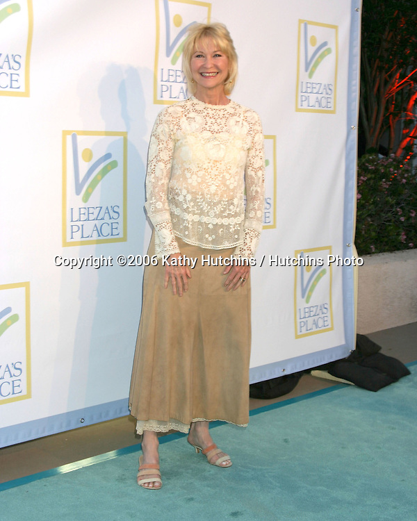 Dee Wallace arriving at the.Leeza's Place Care Centre Opening at the .Assistance League Center.Los Angeles, CA.April 21, 2006.©2006 Kathy Hutchins / Hutchins Photo....