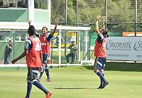 SÃO PAULO.SP. 03.04.2015 - PALMEIRAS TREINO - Jogadores do Palmeiras durante o treino na Academia de Futebol zona oeste na nesta sexta feira 03.  ( Foto: Bruno Ulivieri / Brazil Photo Press )