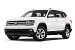 Stock pictures of low aggressive front three quarter view of a 2019 Volkswagen Atlas SE 5 Door SUV