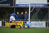 VOETBAL: SURHUISTERVEEN: Sportpark 't Ketting, 20-10-2012, vv 't Fean '58 - SC Veenwouden, Eindstand 2-1, Imani Michimbwa (#7 | 't Fean '58), Coenraad van der Mark (#21 | Veenwouden), ? (#? | Veenwouden), ©foto Martin de Jong