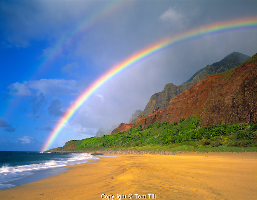 Rainbow at Kalalau Beach, Na Pali Coast State Park, Island of Kauai, Hawaii   Kalalau Trail