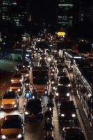 SÃO PAULO-SP-01,09,2014-TRÂNSITO AVENIDA REBOUÇAS - O motorista encontra lentidão Avenida Rebouças sentido bairro. Região Oeste da cidade de São Paulo,na noite dessa segunda-feira,01(Foto:Kevin David/Brazil Photo Press)