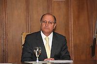 SAO PAULO, 07 DE AGOSTO DE 2012. COMISSAO DE ETICA DO ESTADO DE SP.   O governador Geraldo Alckmin  durante cerimonia de posse do conselho de ética e do conselho de transparencia da Administração publica no  Palacio dos bandeirantes em São Paulo. FOTO: ADRIANA SPACA - BRAZIL PHOTO PRESS