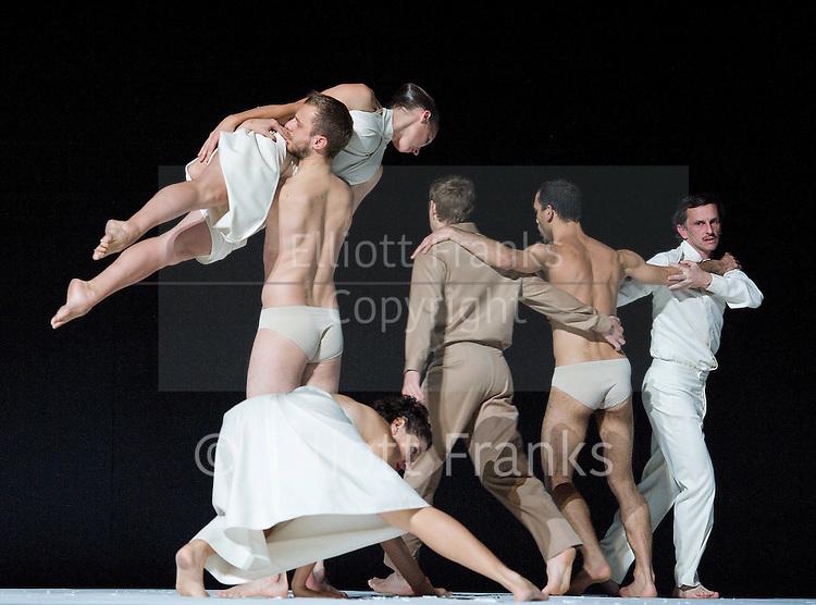 Sasha Waltz &amp; Guests 'Continu' <br /> at Sadler's Wells, London, Great Britain <br /> 27th September 2012 <br /> Full dress rehearsal <br /> <br /> direction : Sasha Waltz<br /> costume: Bernd Skodzig<br /> Lighting: Martin Hauk <br /> Dramaturgy: Jochen Sandig<br /> Dancers: ensemble <br /> <br /> <br /> Liza Alpizar Aguilar<br /> Ayaka Azechi<br /> Jir'i Bartovanec<br /> Justin Billy <br /> Davide Camplani<br /> Maria Marta Colusi <br /> Juan Kruz Diaz de Garaio Esnaola<br /> Luv Dunberry <br /> Edivaldo Ernesto<br /> Delphine Gaborit<br /> Florenia Lamarca<br /> Sergiu Matis<br /> Todd McQuade<br /> Thomas Michaux<br /> Virgis Puodziunas Sasa Queliz<br /> Zaratiana Rendrianantenaina<br /> Orlando Rodriguez<br /> Mata Sakka<br /> Yael Schnell<br /> Xan Shi<br /> Shang-Chi Sun<br /> Miannian Zhou<br /> <br /> Photograph by Elliott Franks