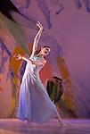 SIGNES....Choregraphie : CARLSON Carolyn..Compositeur : AUBRY Rene..Compagnie : Ballet de l Opera national de Paris..Decor : DEBRE Olivier..Lumiere : BESOMBES Patrice..Costumes : DEBRE Olivier..Avec :..GILLOT Marie Agnes..Lieu : Opera Bastille..Ville : Paris..Le : 27 06 2008..© Laurent PAILLIER / photosdedanse.com..All rights reserved