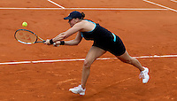 Alisa Kleybanova (RUS) (28) against Ana Ivanovic (SRB) in the second round of the women's singles. Alisa Kleybonova beat Ana Ivanovic 6-3 6-0..Tennis - French Open - Day 4 - Wed 26 May 2010 - Roland Garros - Paris - France..© FREY - AMN Images, 1st Floor, Barry House, 20-22 Worple Road, London. SW19 4DH - Tel: +44 (0) 208 947 0117 - contact@advantagemedianet.com - www.photoshelter.com/c/amnimages