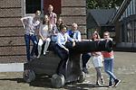 Foto: VidiPhoto<br /> <br /> BODEGRAVEN - Portretserie van de familie Van Zijverden in Bodegraven bij Wierickerschans.