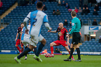 BLACKBURN, ENGLAND - JANUARY 24:   Jonjo Shelvey of Swansea City moves the ball during the FA Cup Fourth Round match between Blackburn Rovers and Swansea City at Ewood park on January 24, 2015 in Blackburn, England.  (Photo by Athena Pictures/Getty Images)