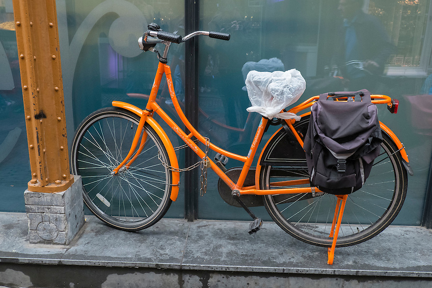 Nederland, Utrecht, 26 april 2013<br /> Oranjefiets, oranje fiets. <br /> Foto(c): Michiel Wijnbergh
