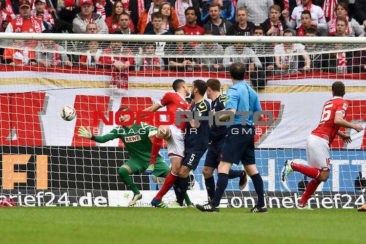 17.04.2016, Coface-Arena, Mainz, GER, 1. FBL, 1. FSV Mainz 05 vs. 1. FC Koeln, im Bild: Leon Balogun (#3, FSV Mainz) trifft zum 2:0, Dominic Maroh (#5, 1. FC Koeln) kann nicht mehr stoeren, Timo Horn (#1, 1. FC Koeln) ist chancenlos<br /> <br /> Foto &copy; nordphoto / Fabisch