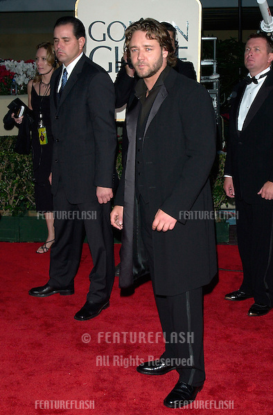 Actor RUSSELL CROWE at the 2001 Golden Globe Awards at the Beverly Hilton Hotel..21JAN2001.  © Paul Smith/Featureflash