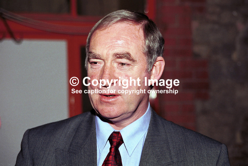 Joe Walsh, TD, Minister for Agriculture & Food, Fianna Fail, Rep of Ireland, 199811016..Copyright Image from Victor Patterson, 54 Dorchester Park, Belfast, UK, BT9 6RJ..Tel: +44 28 9066 1296.Mob: +44 7802 353836.Voicemail +44 20 8816 7153.Skype: victorpattersonbelfast.Email: victorpatterson@mac.com.Email: victorpatterson@ireland.com (back-up)..IMPORTANT: If you wish to use this image or any other of my images please go to www.victorpatterson.com and click on the Terms & Conditions. Then contact me by email or phone with the reference number(s) of the image(s) concerned.