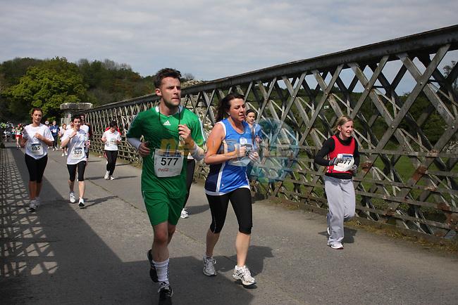 the Boyne 10K run half way mark.Picture  www.newsfile.ie..