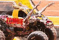 """São Paulo, SP, 15.12.2018 - MONSTER-JAM<br /> Moster truck durante Monster Jam na Arena Corinthians, zona leste de São Paulo (SP), nesta sexta (15). Participam do evento veículos conhecidos como """"Big Foot"""", que são customizados para esse tipo de competição e conseguem fazer manobras radicais, por conta dos pneus especiais que podem chegar a mais de 1 metro de altura.(Foto: Anderson Lira/Brazil Photo Press)"""