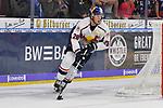 Muenchens Frank Mauer (Nr.28) am Puck beim Spiel in der DEL, Adler Mannheim (blau) - EHC Red Bull Muenchen (weiss).<br /> <br /> Foto &copy; PIX-Sportfotos *** Foto ist honorarpflichtig! *** Auf Anfrage in hoeherer Qualitaet/Aufloesung. Belegexemplar erbeten. Veroeffentlichung ausschliesslich fuer journalistisch-publizistische Zwecke. For editorial use only.