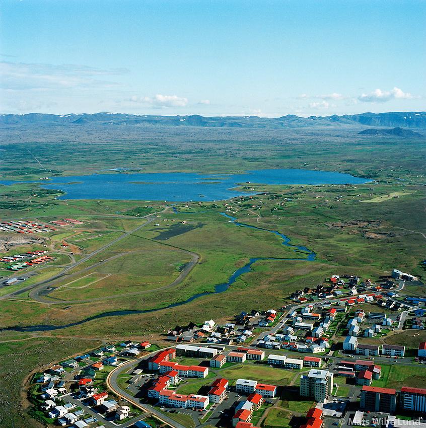 Breiðholt, Elliðaá og Elliðavatn séð til suðurs, Reykjavík / Breidholt, Ellidaa river and Ellidavatn viewing south, Reykjavik