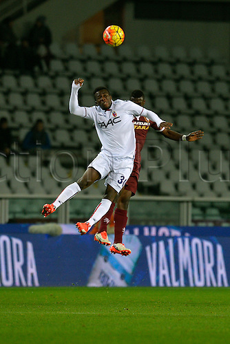28.11.2015. Stadio Olimpico, Torino, Italy. Serie A. Torino versus Bologna. Godfred Donsah (B) and Afriyie Acquah (T) have an aerial battle for the ball. Torino ran out 2-0 winners.