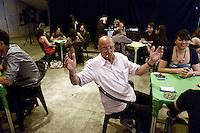 Roma, 9 giugno 2012.San Lorenzo .Ex Cinema Palazzo occupato ..Secondo torneo popolare di Tresette organizzato con Elio Germano
