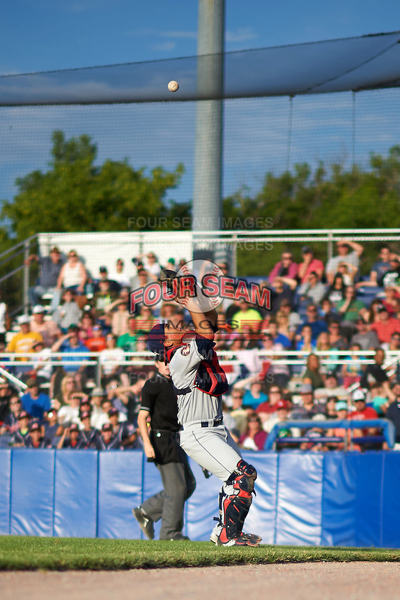 Mahoning Valley Scrappers catcher Li-Jen Chu (16) catches a foul ball pop up during a game against the Batavia Muckdogs on July 3, 2015 at Dwyer Stadium in Batavia, New York.  Batavia defeated Mahoning Valley 7-4.  (Mike Janes/Four Seam Images)