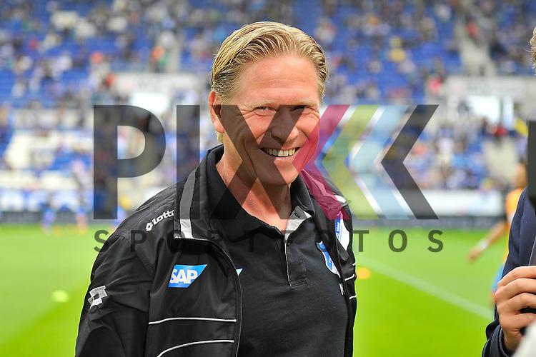 Hoffenheims Trainer Markus Gisdol  im Spiel der Bundesliga, TSG 1899 Hoffenheim - Hertha BSC.<br /> <br /> Foto &copy; P-I-X.org *** Foto ist honorarpflichtig! *** Auf Anfrage in hoeherer Qualitaet/Aufloesung. Belegexemplar erbeten. Veroeffentlichung ausschliesslich fuer journalistisch-publizistische Zwecke. For editorial use only.