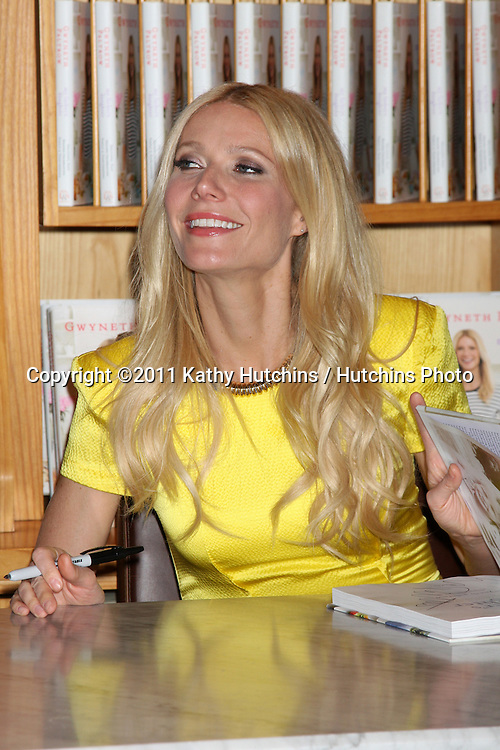 """LOS ANGELES - APR 21:  Gwyneth Paltrow at the Booksigning for her book """"My Father's Daughter: Delicious, Easy Recipes Celebrating Family & Togetherness"""" at Williams-Sonoma on April 21, 2011 in Beverly Hills, CA.."""