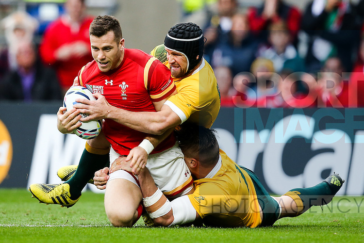 Wales' Gareth Davies, Australia's Matt Giteau and Australia's Sean McMahon - Rugby World Cup 2015 - Pool A - Australia v Wales - Twickenham Stadium - London- England - 10th October 2015 - Picture Charlie Forgham Bailey/Sportimage
