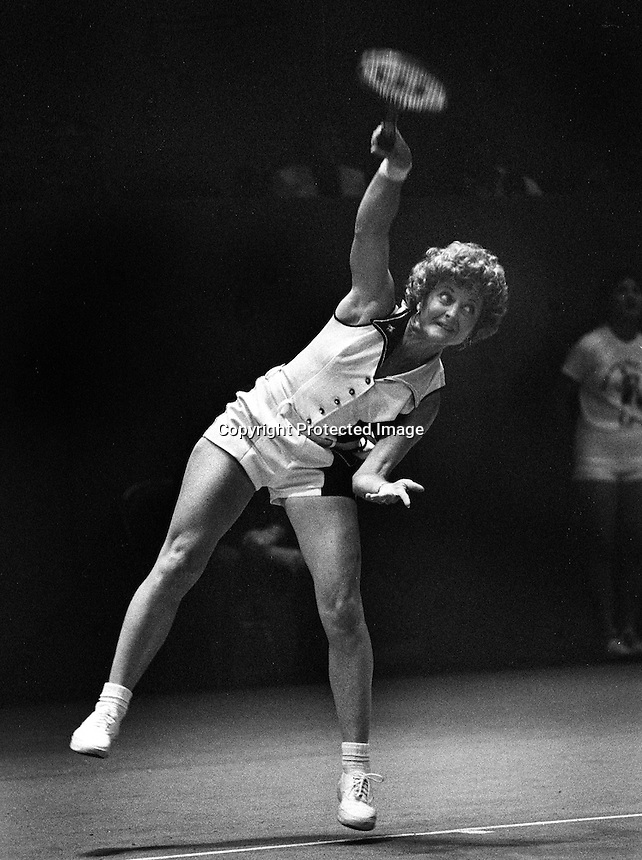 Virginia Slims tournament at  the Civic Auditiorium in San Francisco..quarterfinals match. <br />(1976 photo by Ron Riesterer)