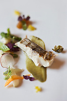 Europe/Espagne/Catalogne/Catalogne/Gérone: Daurade rose au yuzu et câpres. recette des frères Roca - Le Celler de Can Roca  - Restaurant: El Celler de Can Roca à la deuxième place de la liste The World's 50 Best Restaurants