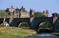 Europe/France/Languedoc-Roussillon/11/Aude/Carcassonne: La cité et le vieux pont sur l'Aude