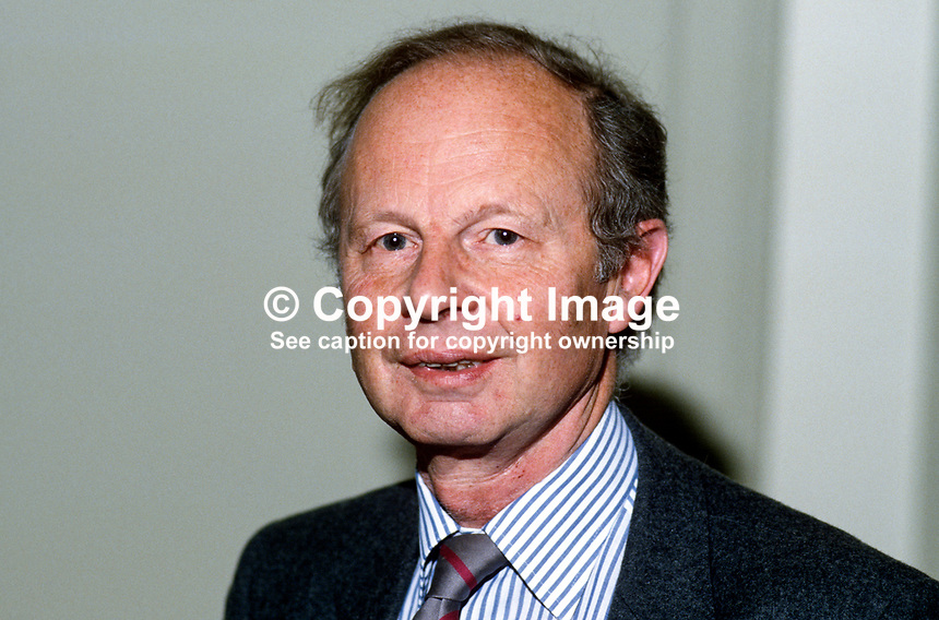 Sir Fred Catherwood, MEP, Conservative Party, UK, born N Ireland, 19851103FC..Copyright Image from Victor Patterson, 54 Dorchester Park, Belfast, UK, BT9 6RJ..Tel: +44 28 9066 1296.Mob: +44 7802 353836.Voicemail +44 20 8816 7153.Skype: victorpattersonbelfast.Email: victorpatterson@mac.com.Email: victorpatterson@ireland.com (back-up)..IMPORTANT: If you wish to use this image or any other of my images please go to www.victorpatterson.com and click on the Terms & Conditions. Then contact me by email or phone with the reference number(s) of the image(s) concerned.