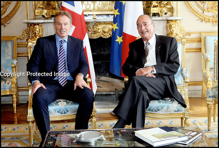 France's President Jacques Chirac welcomes Britain's Prime Minister Tony Blair at the Elysee Palace. #