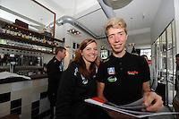 SCHAATSEN: HEERENVEEN: 23-09-2014, Perspresentatie Team Clafis, Heather Richardson, Jorrit Bergsma, ©foto Martin de Jong