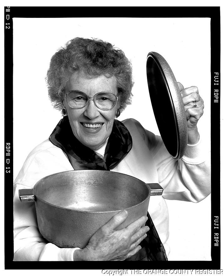 Dorothy Hammon - Kitchen Gadgets - Portfolio only