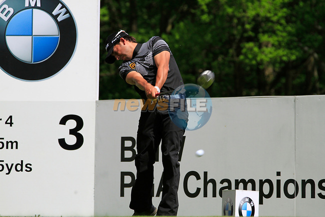 Pablo Larrazabal tees off on the par 4 3rd hole during Round 2 of the BMW PGA Championship at  Wentworth, Surrey, England...Photo Golffile/Eoin Clarke.(Photo credit should read Eoin Clarke www.golffile.ie)....This Picture has been sent you under the condtions enclosed by:.Newsfile Ltd..The Studio,.Millmount Abbey,.Drogheda,.Co Meath..Ireland..Tel: +353(0)41-9871240.Fax: +353(0)41-9871260.GSM: +353(0)86-2500958.email: pictures@newsfile.ie.www.newsfile.ie.