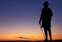 AJ4031, Gettysburg, battlefield, civil war, Gettysburg National Military Park, Pennsylvania, Silhouette of Gouvernor K. Warren statue on Little Round Top at sunset in Gettysburg Nat'l Military Park in Gettysburg in the state of Pennsylvania.