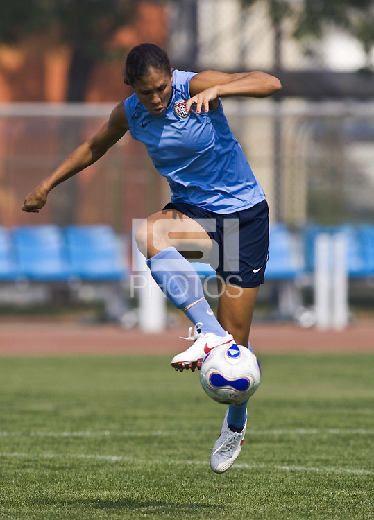 USA midfielder Shannon Boxx takes a touch at practice at the Tianjin Sports School in Tianjin, China on September 21, 2007.