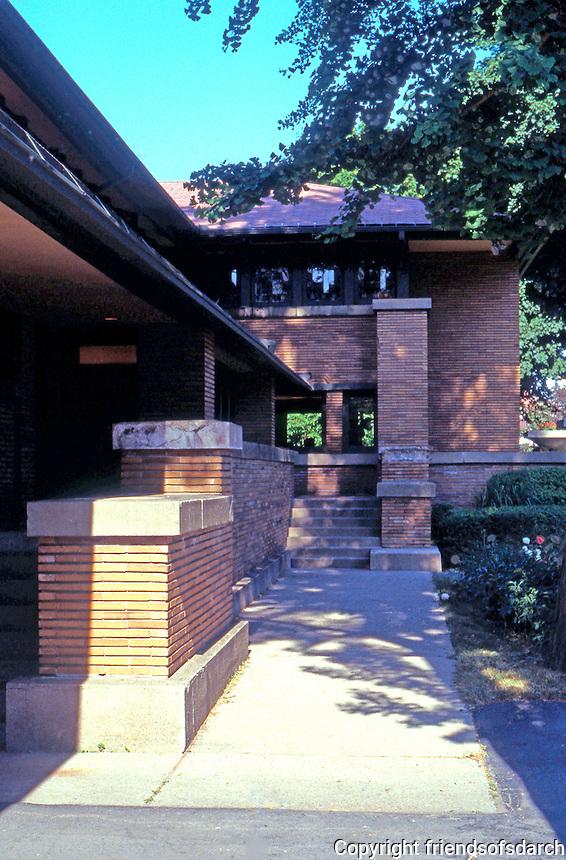 F.L. Wright: Martin House, Entrance   Photo '88.