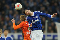 FUSSBALL   1. BUNDESLIGA    SAISON 2012/2013    11. Spieltag   FC Schalke - 04 Werder Bremen                              10.11.2012 Kevin De Bruyne (li, SV Werder Bremen) gegen Roman Neustaedter (re, FC Schalke 04)