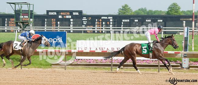 Makayla's Angel winning at Delaware Park on 5/22/13