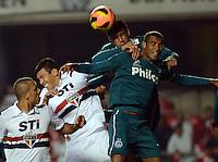 SAO PAULO SP, 05 Junho 2013 -  SAO PAULO X GOIAS -   dividida   durante partida válida pela quarta rodada do campeonato brasileiro de 2013 no Estádio do Morumbi em São Paulo, nesta quarta , 06. (FOTO: ALAN MORICI / BRAZIL PHOTO PRESS).