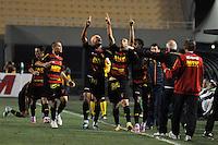 ATENÇÃO EDITOR: FOTO EMBARGADA PARA VEÍCULOS INTERNACIONAIS - SÃO PAULO, SP, 06 DE SETEMBRO DE 2012 - CAMPEONATO BRASILEIRO - PALMEIRAS x SPORT: Rivaldo (c)comemora gol do Sport durante partida Palmeiras x Sport Recife, válida pela 22ª rodada do Campeonato Brasileiro no Estádio do Pacaembú. FOTO: LEVI BIANCO - BRAZIL PHOTO PRESS