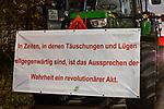 """05.12.2019, Baywa-Gelaende, Memmingen, GER, Bauern-Demonstration in Memmingen, Ueber 4000 Bauern demonstrierten mit fast 3000 Traktoren in Memmingen. Organisiert wurde die Demo von """"Land schafft Verbindung"""". Auf der anschliesenden Kundgebung sprach ua. die bayr. Landwirtschaftsministerin Michaela Kaniber, <br /> im Bild Traktorkonvoi durch Memmingen, Protestplakate<br /> <br /> Foto © nordphoto / Hafner"""