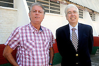 SÃO PAULO , SP, 12 DE MARÇO DE 2013 - TREINO DA PORTUGUESA - Candinho (E) Fleury (D) durante entrega do novo ônibus do futebol profissional, apos treino no Canindé, preparação para partida entre a equipe AE Velo Clube, partida válida pelo campeonato Paulista da serie B, no estádio Benedito Casteiano na cidade de Rio Claro, no interior do estado de SÃO PAULO. FOTO: DORIVAL ROSA/ BRAZIL PHOTO PRESS