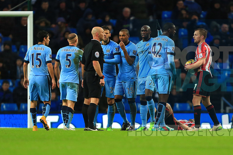 Manchester City confront the referee - Manchester City vs. Sunderland - Barclay's Premier League - Etihad Stadium - Manchester - 28/12/2014 Pic Philip Oldham/Sportimage